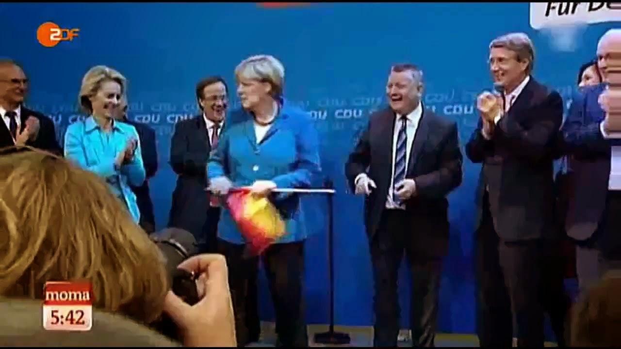 merkel_deutschlandfahne.jpg