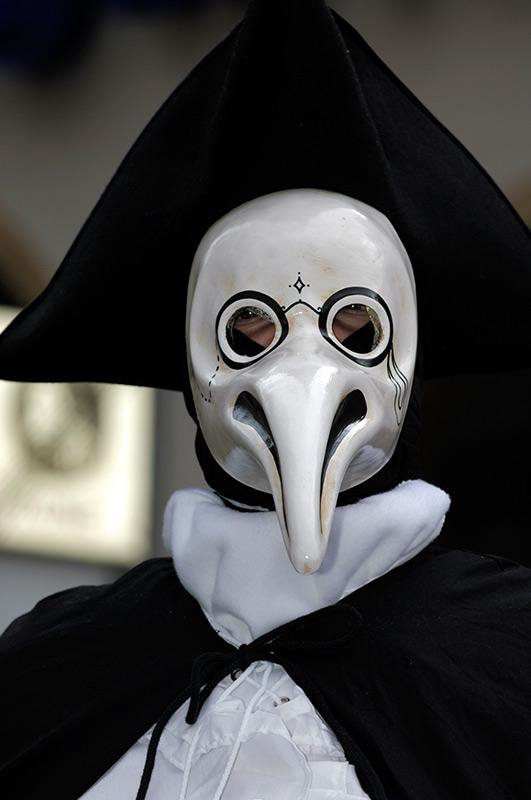 venezianische-maske-medico-della-peste.jpg