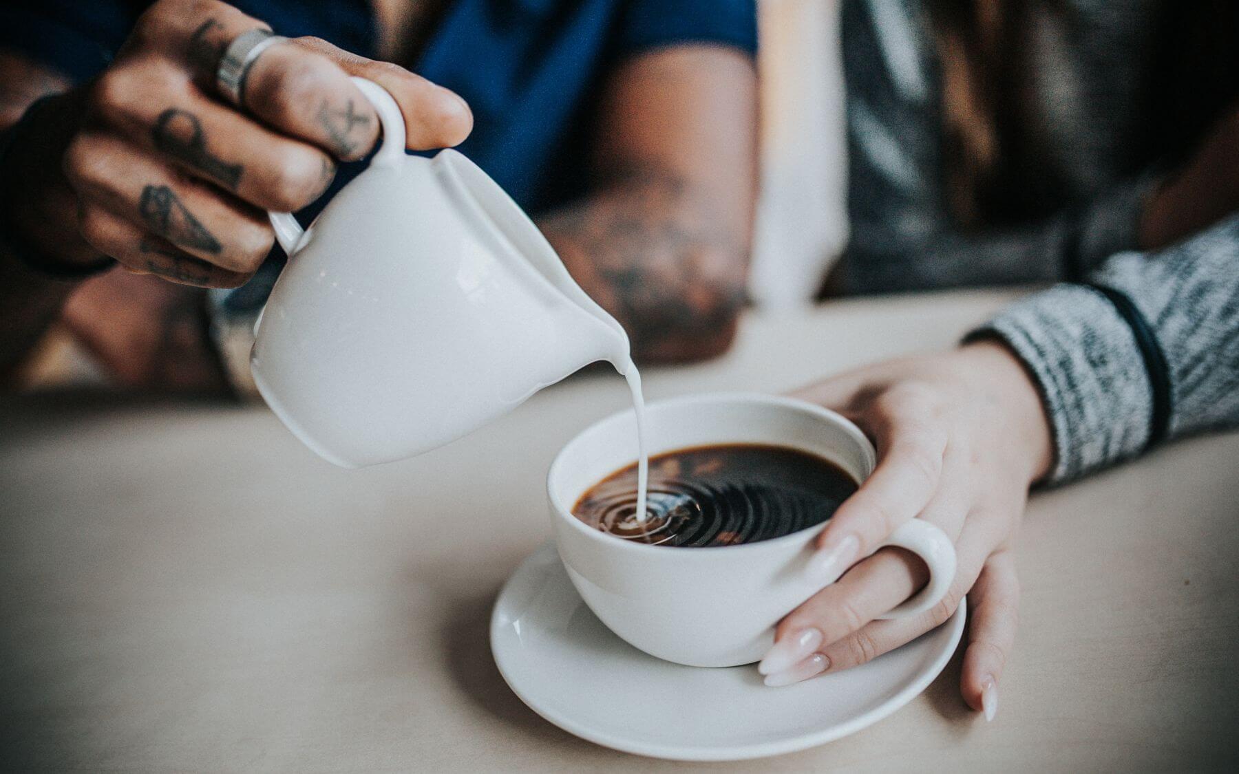 vegane-milch-kaffee.jpg