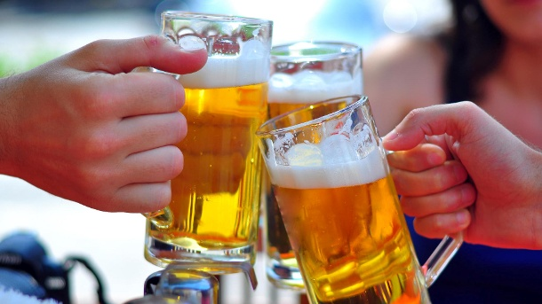 bier-gehoert-in-geselliger-runde-oft-dazu-.jpg