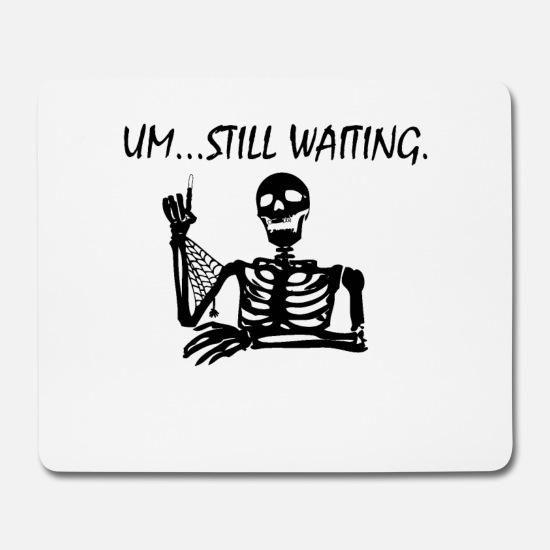 skelett-am-warten-mousepad.jpg