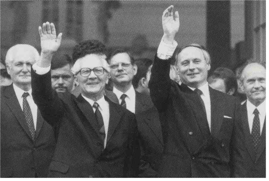 lafontaine-und-honecker.jpg