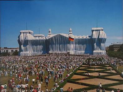 christo-and-jeanne-claude-reichstag-westportal-....jpg
