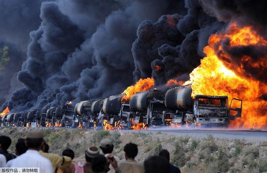 nato_tankwagen_in_pakistan.jpg