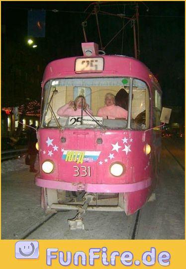 rosa-strassenbahn.jpg