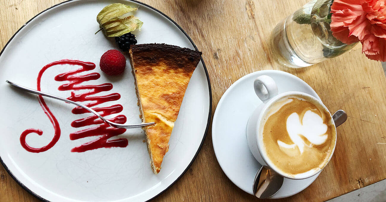 cafes-in-muenchen-cappuccino.jpg