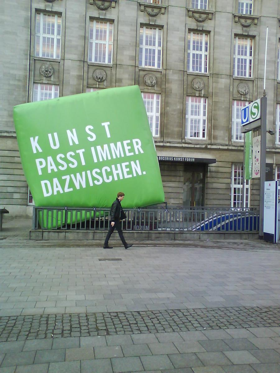 hamburg_rathausmarkt.jpg