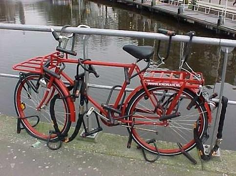 sicher-angeschlossenes-fahrrad.jpg