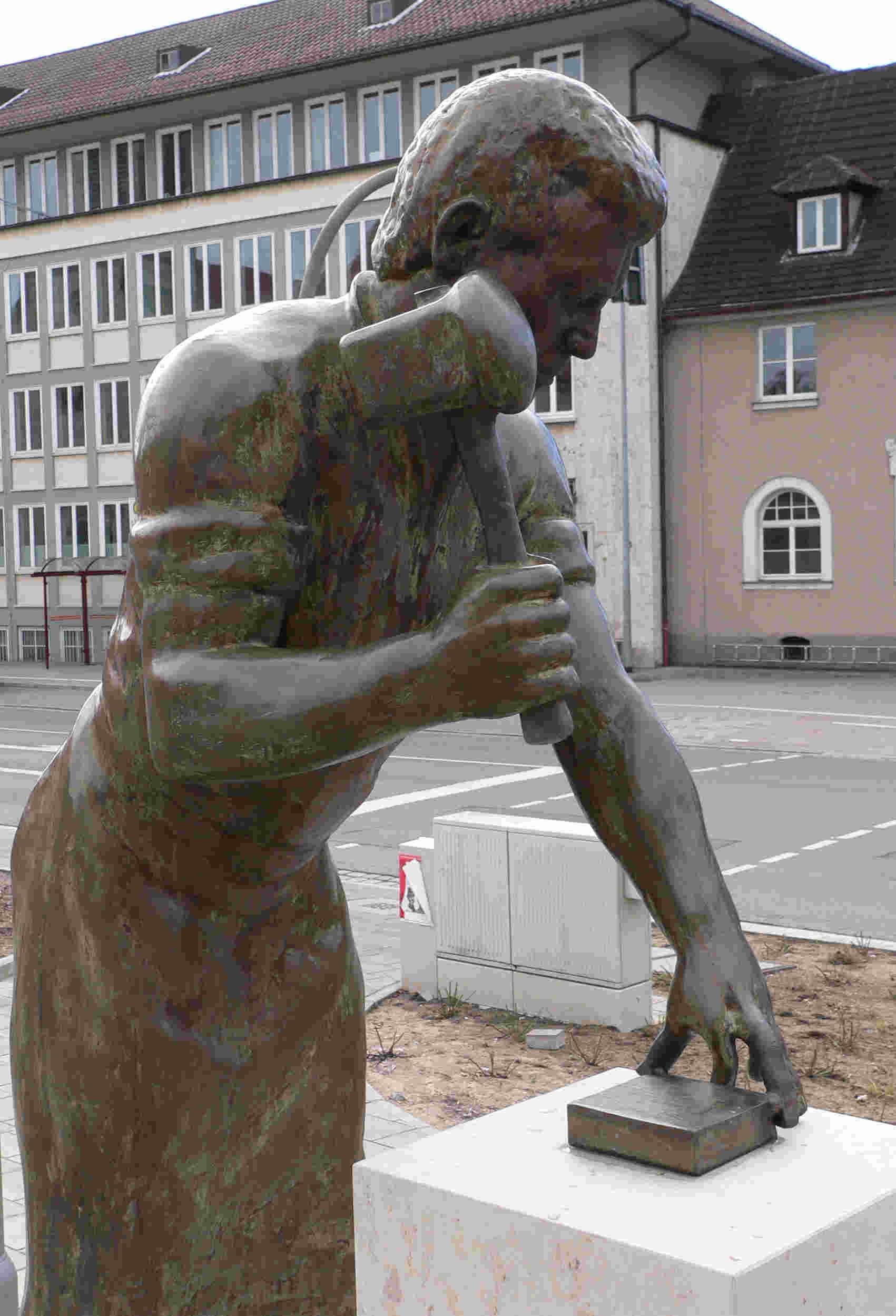 denkmal_goldschlaeger_fcm_1.jpg